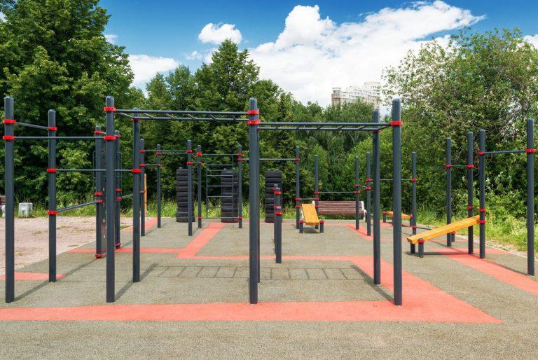 Street workout outdoor park