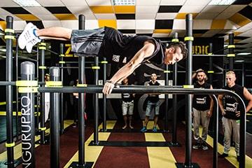 Indoor calisthenics workout equipment